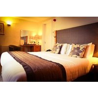 One Night Break With Dinner At Queens Court Hotel