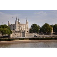 Tower of London Family Entry and Sightseeing Cruise - Special Offer