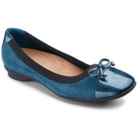 Clarks Candra Glow Shoes E Fit