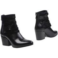 spazio-corridoni-1-milano-footwear-ankle-boots-women-