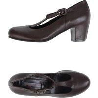 rosamunda-footwear-courts-women-