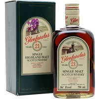 75cl / 43% / Distillery Bottling - An old presentation of Glenfarclas 21 year old whisky. Presented in a beautiful square bottle with grooves in either side for easy gripping. We estimate that this was bottled sometime in the late 1980s.