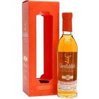 20cl / 40% / Distillery Bottling - A 20cl bottle of Glenfiddich 21 Year Old, finished in rum casks for around four months to add extra layers of sweetness and complexity.