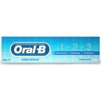 Oral-B Fluoride Toothpaste 100ml
