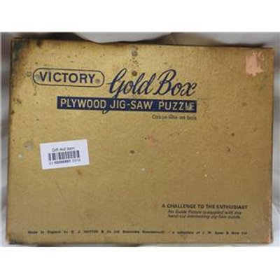 Vintage Victory Gold Box 300 piece wooden jigsaw puzzle