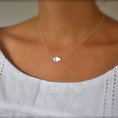 Women's Simple Fashion Good Luck Palm Pendant Short Necklace