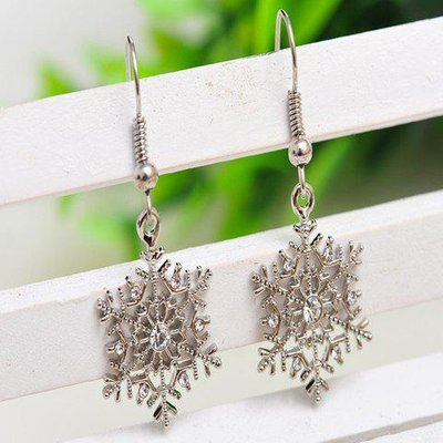 Pair of Alloy Rhinestone Snowflake Earrings
