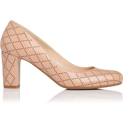 Sersha Beige Leather Closed Courts