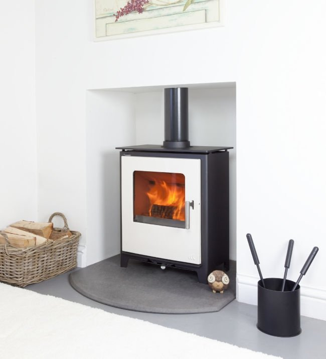 Mendip Loxton 5 Ivory SE Defra Approved Wood Burning   Multi Fuel Stove