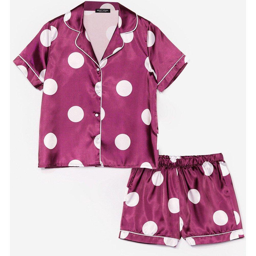 Womens Pyjama En Satin Chemise & Short À Pois Des Rêves Plein La Tête - Nasty Gal - Modalova