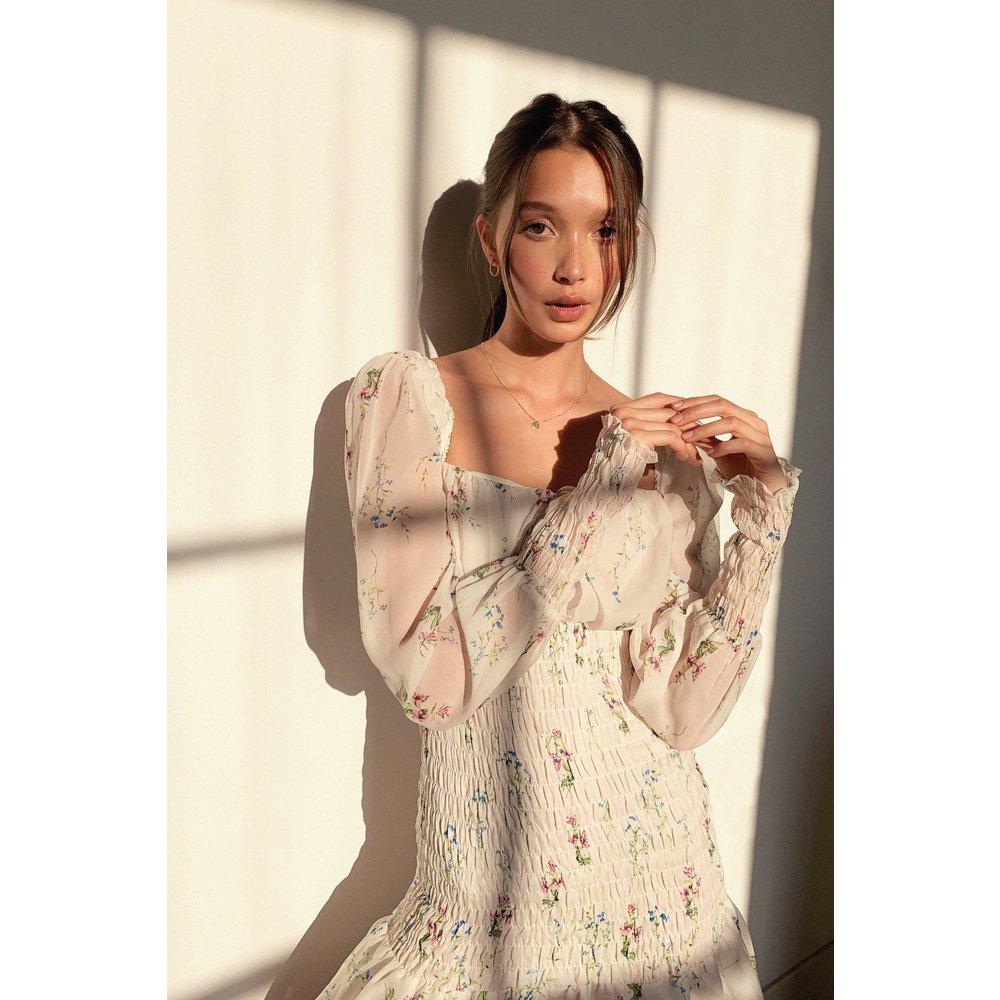 Womens Shimmer Bodycon Tea Dress - Nasty Gal - Modalova