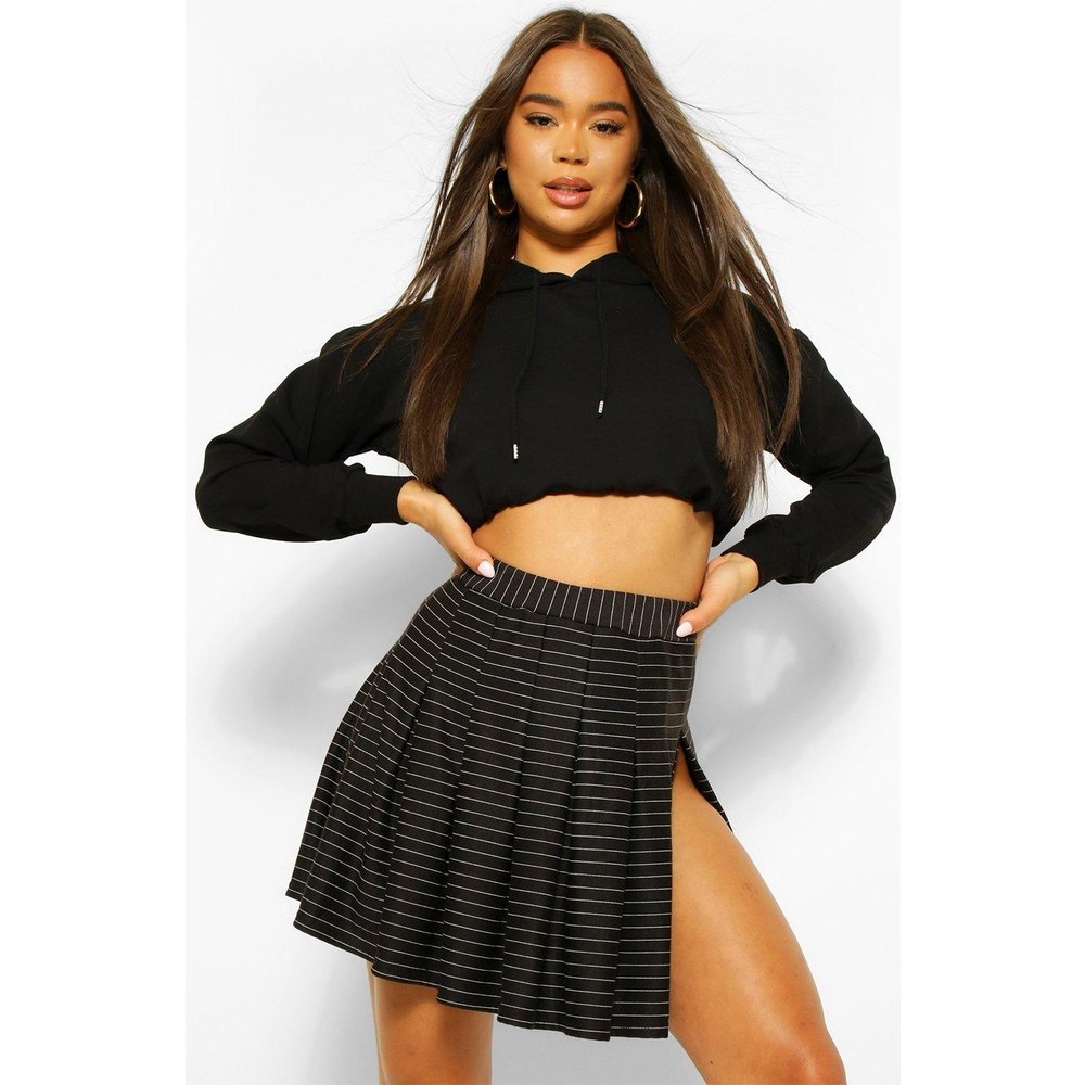 Pinstripe Pleated Tennis Skirt - boohoo - Modalova
