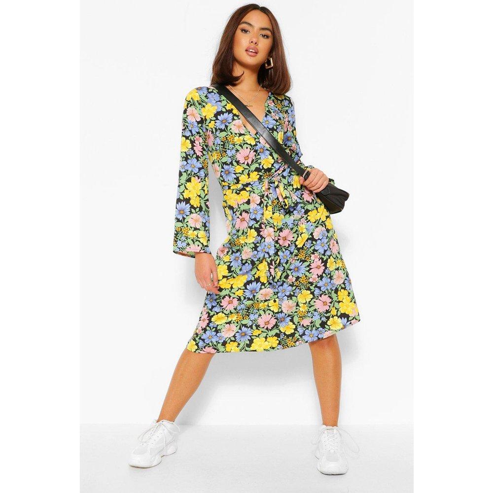 Robe Mi-Longue Boutonnée Devant Imprimé Floral - boohoo - Modalova