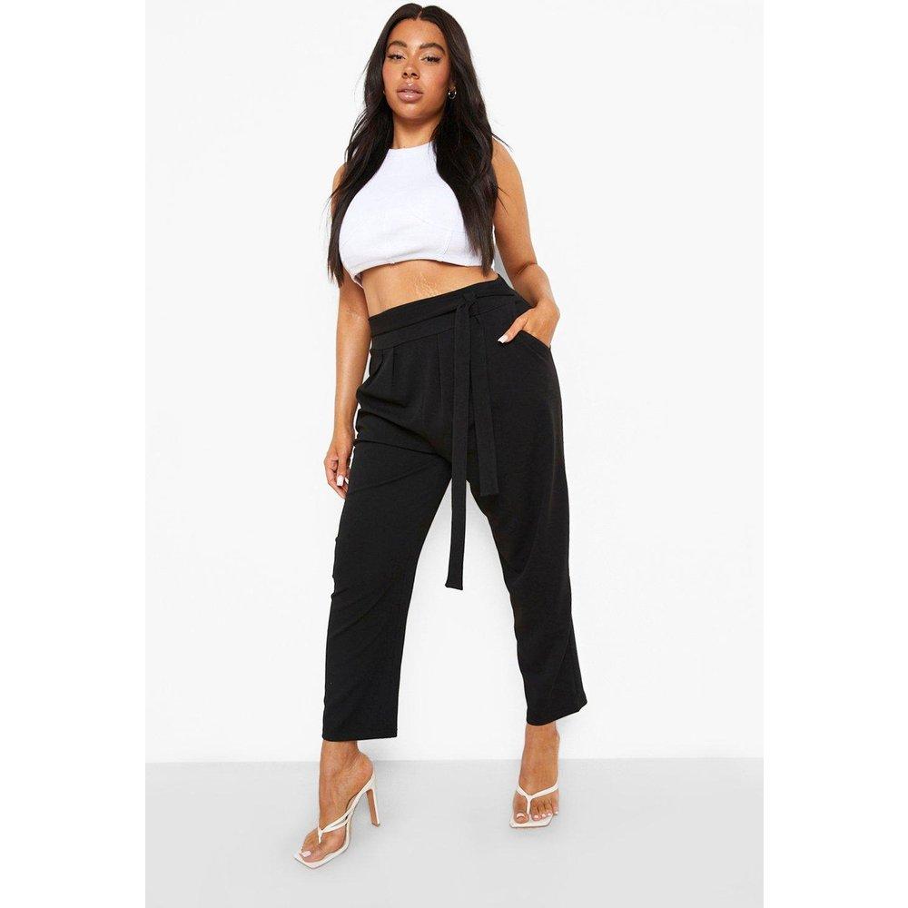 Plus - Pantalon Large & Fluide Taille Haute Avec Ceinture - boohoo - Modalova