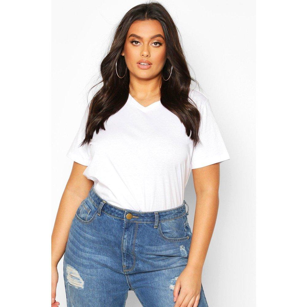 T-Shirt Basique Col V Plus - boohoo - Modalova