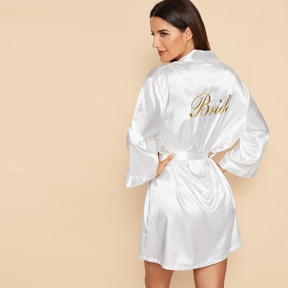 Robe de chambre en satin avec broderie et ceinture - SHEIN - Modalova