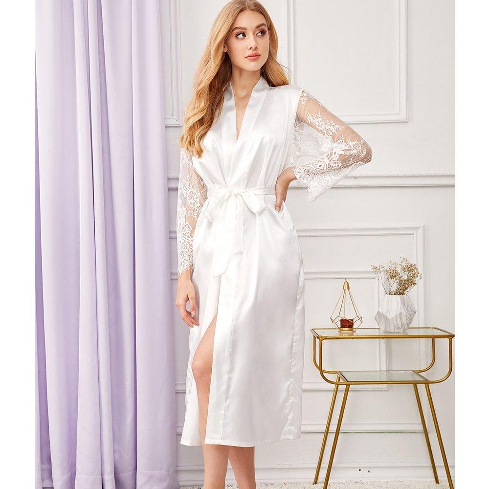 Robe de chambre en satin avec dentelle et ceinture - SHEIN - Modalova
