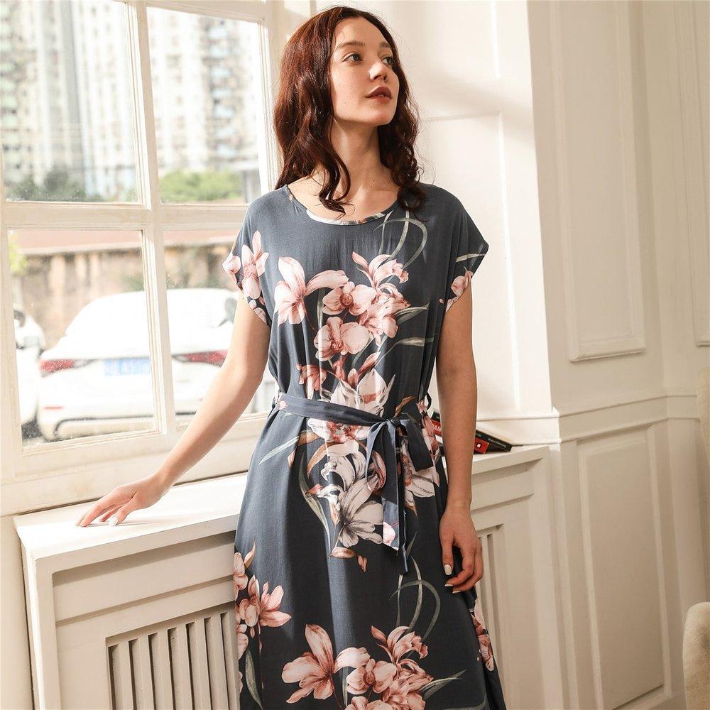 Robe de nuit avec imprimé floral et ceinturé - SHEIN - Modalova