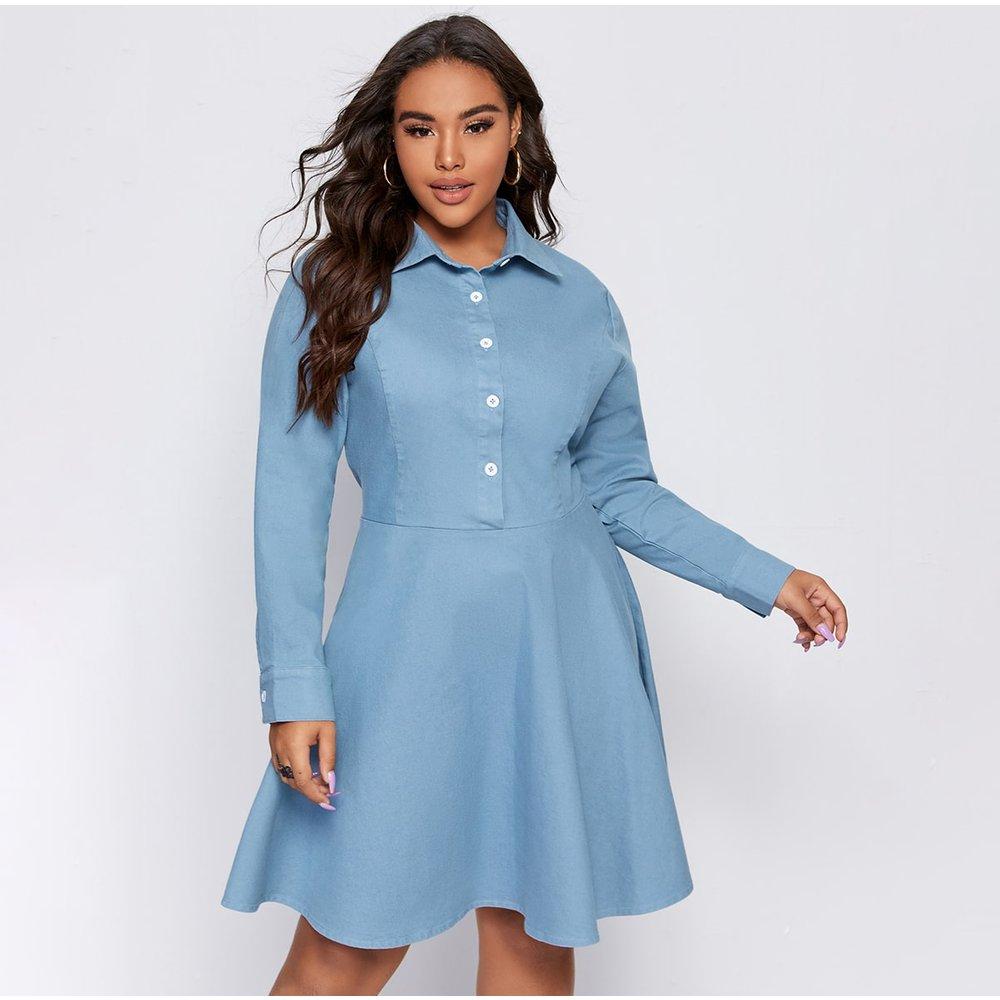 Robe chemise en jean avec boutons - SHEIN - Modalova