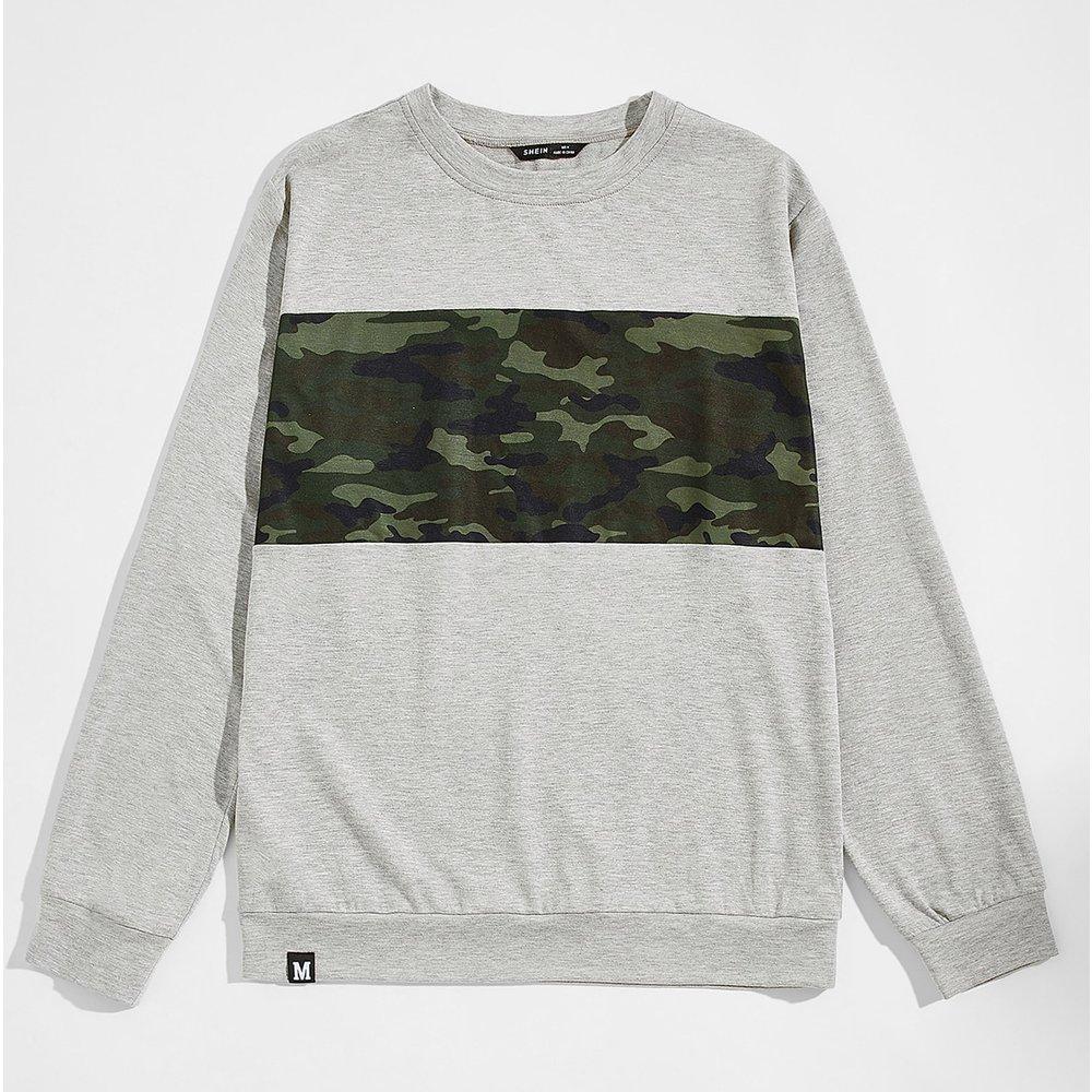 Sweat-shirt à imprimé camouflage avec pièce à lettres - SHEIN - Modalova