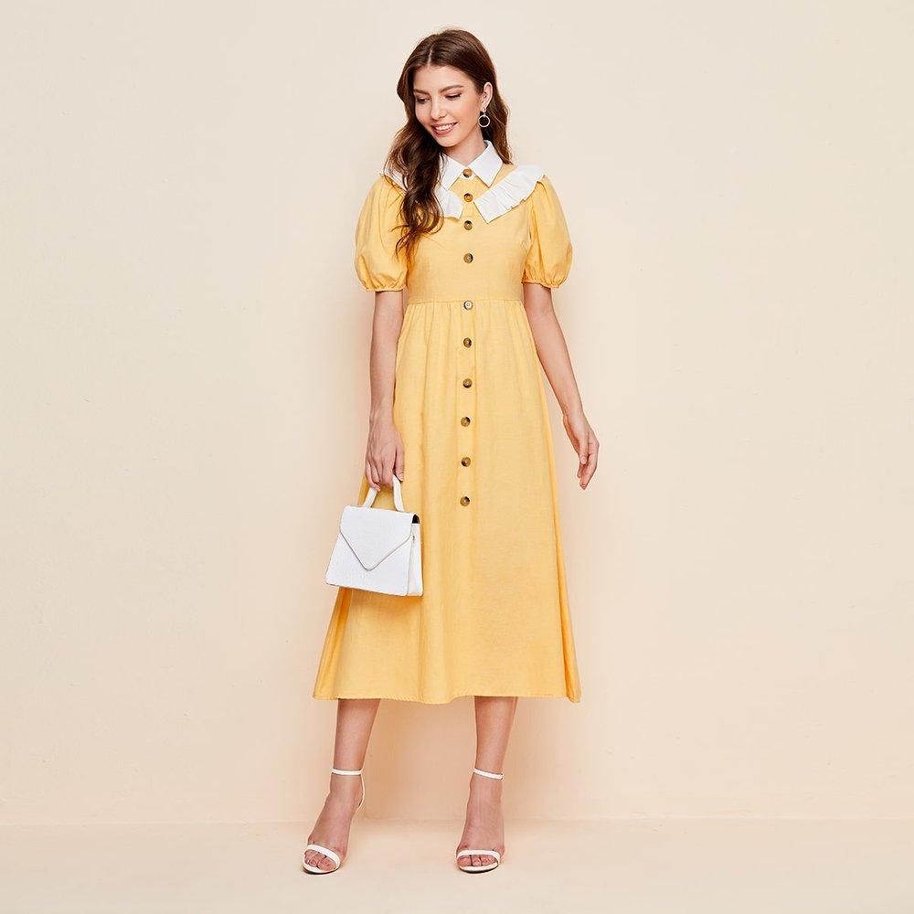 Robe chemise avec col contrastant et boutons - SHEIN - Modalova