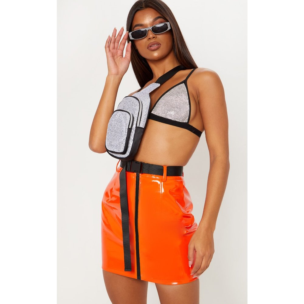 Mini-jupe en vinyle à zip frontal et ceinture - PrettyLittleThing - Modalova