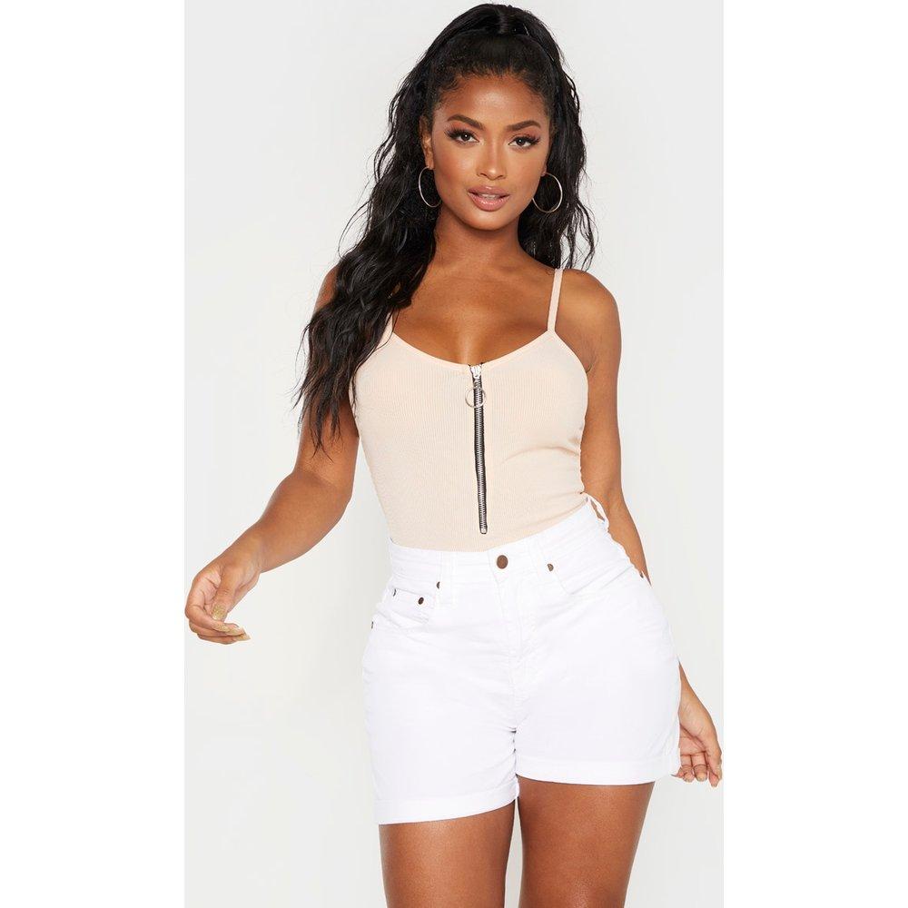 Shape - Short en jean ajusté taille haute - PrettyLittleThing - Modalova
