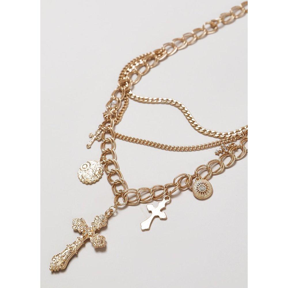 Collier à pendentifs croix et porte-bonheur - PrettyLittleThing - Modalova