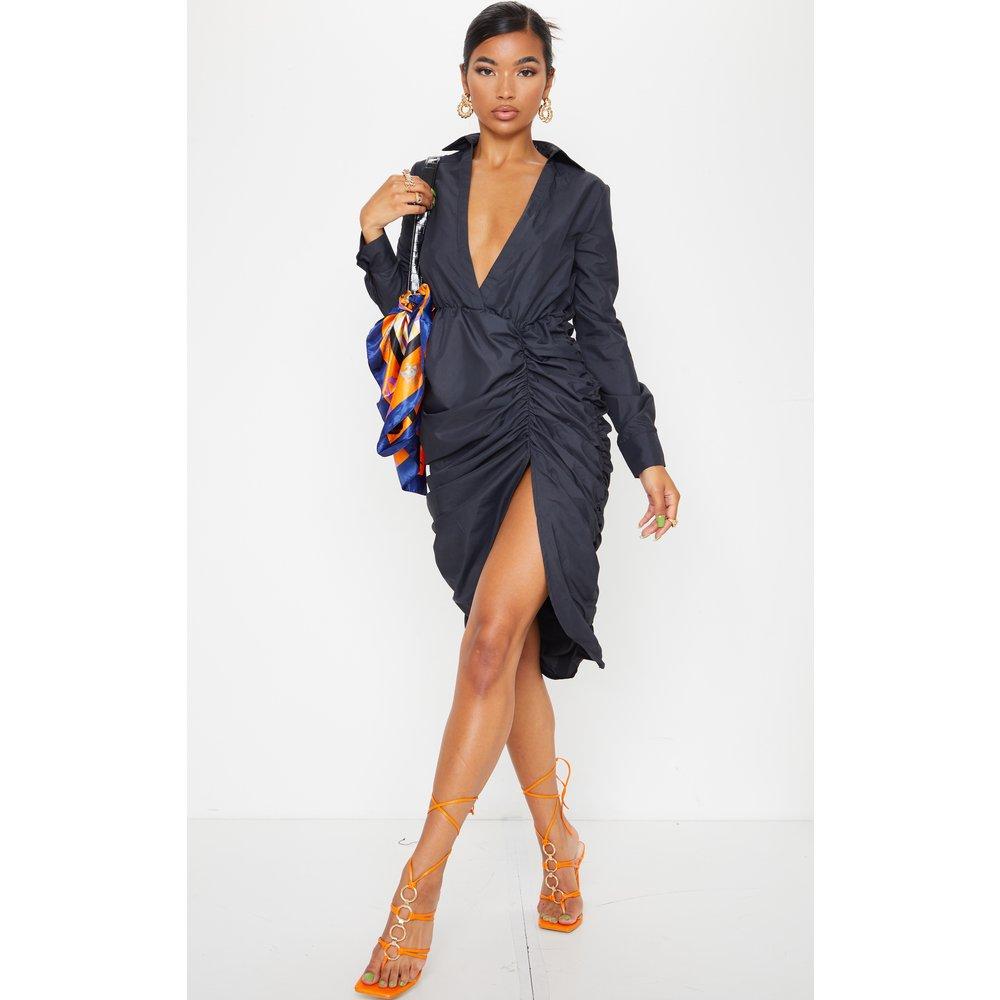 Robe mi-longue décolletée à manches longues style chemise - PrettyLittleThing - Modalova