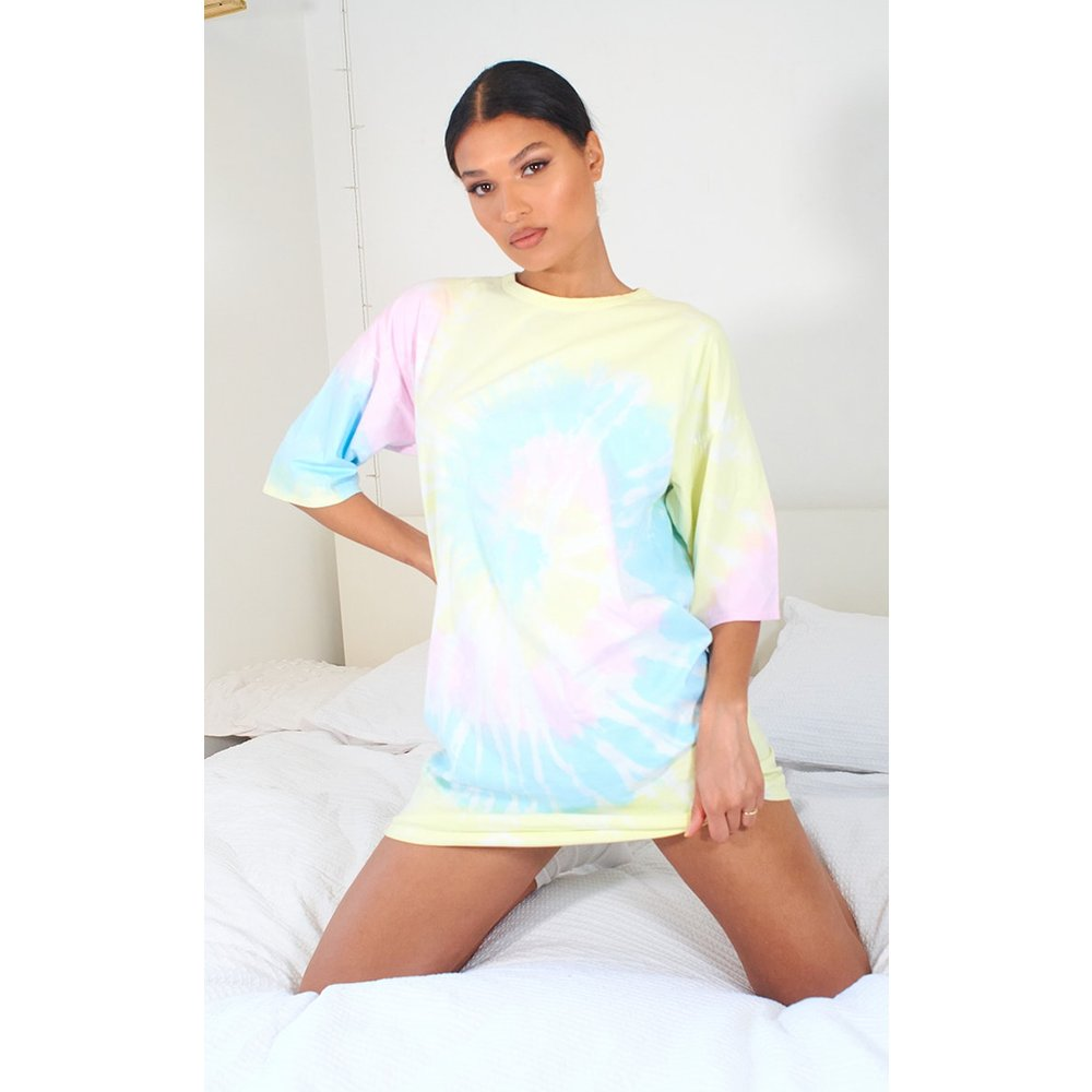 Robe t-shirt boyfriend imprimé tie & dye - PrettyLittleThing - Modalova