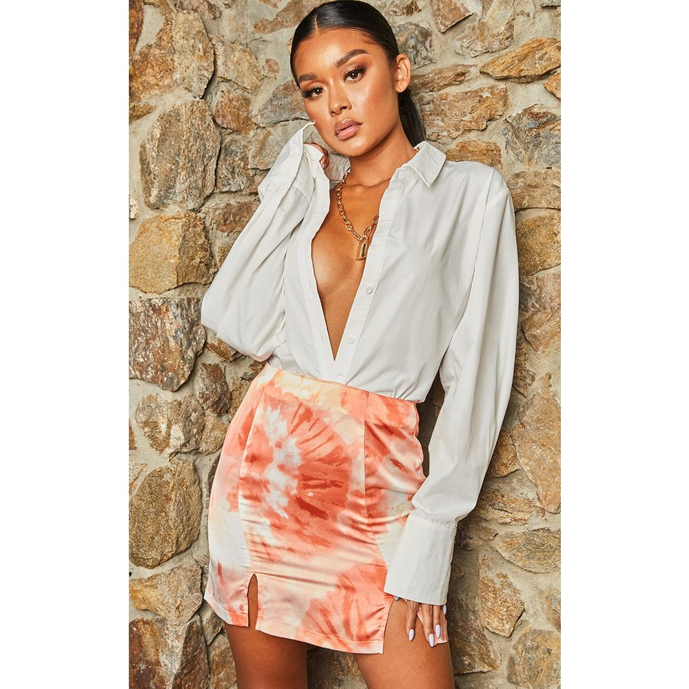 Mini-jupe satinée tie & dye à double fente - PrettyLittleThing - Modalova