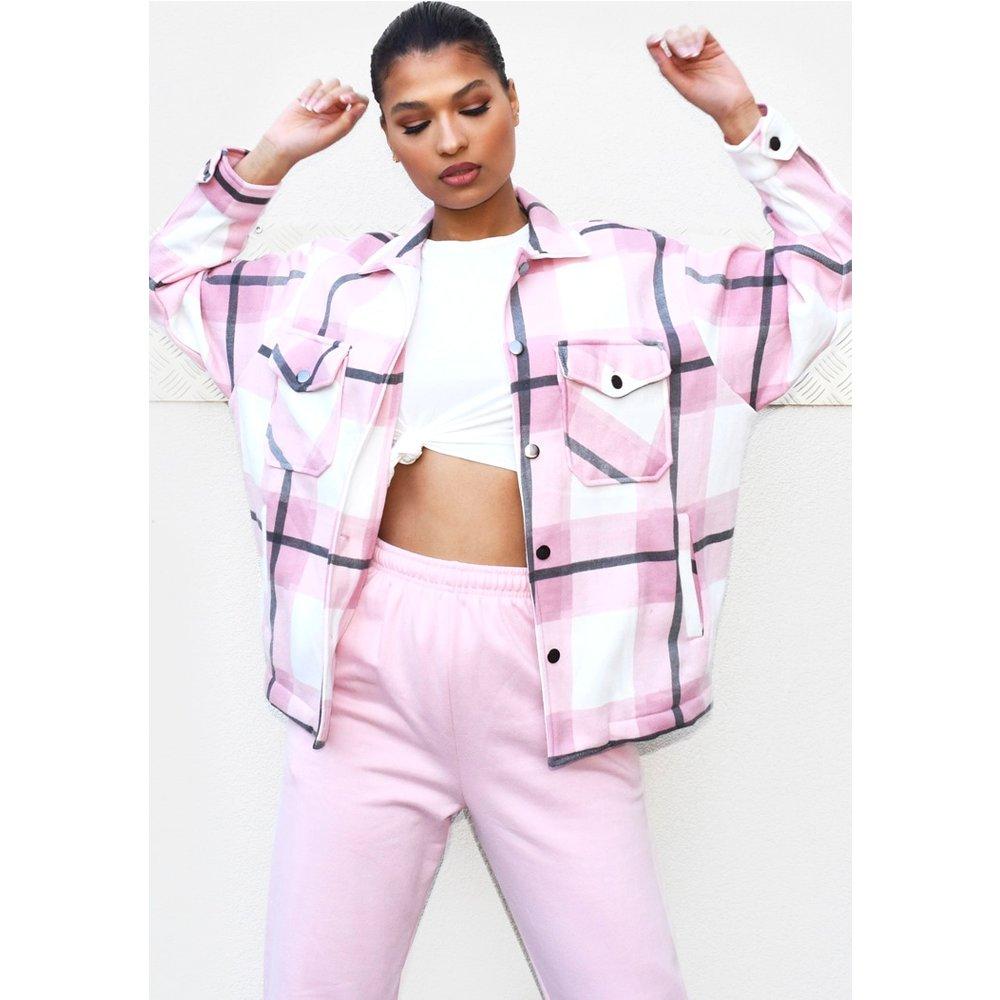 Veste style chemise à carreaux et poches devant - PrettyLittleThing - Modalova