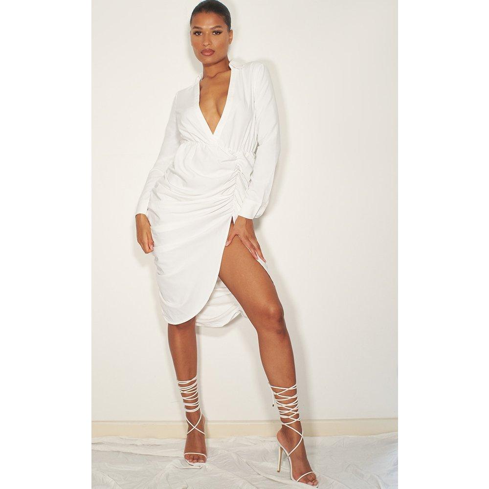 Robe mi-longue blanche décolletée à manches longues style chemise - PrettyLittleThing - Modalova