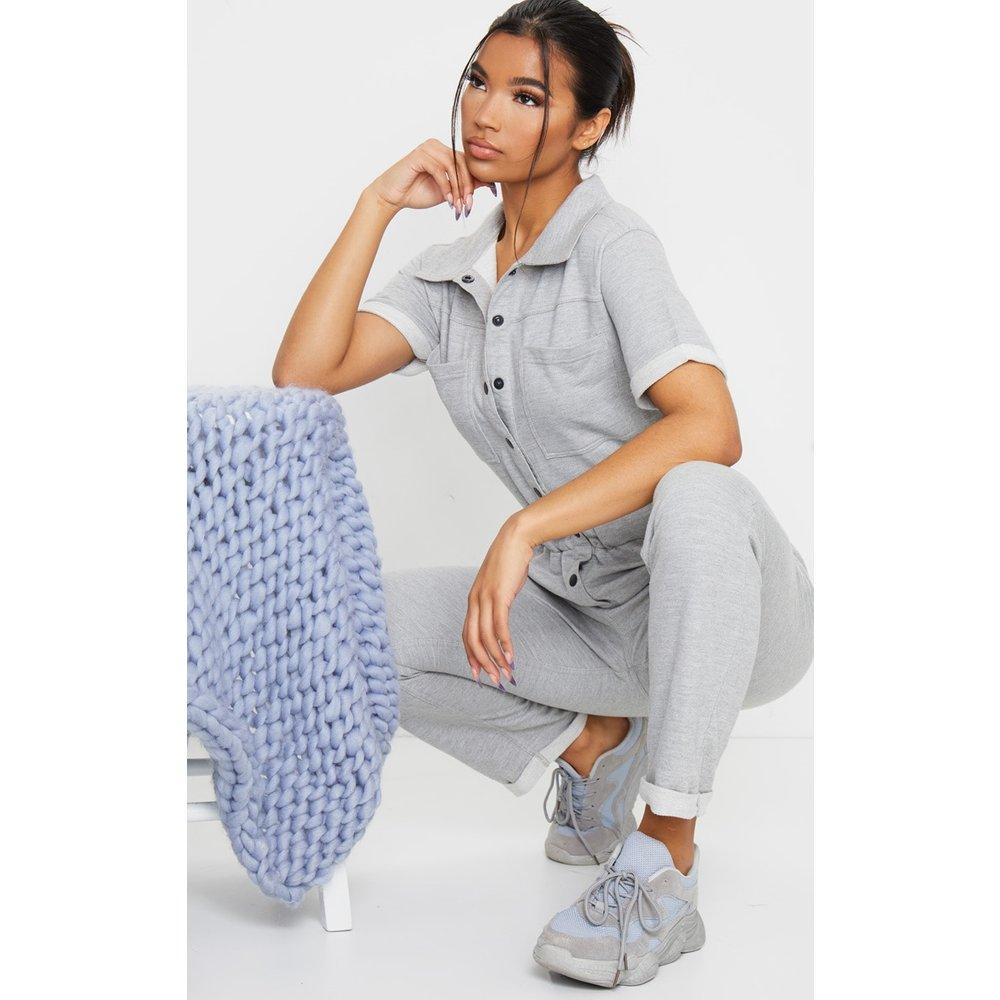 Combinaison en sweat à détail chemise manches courtes - PrettyLittleThing - Modalova