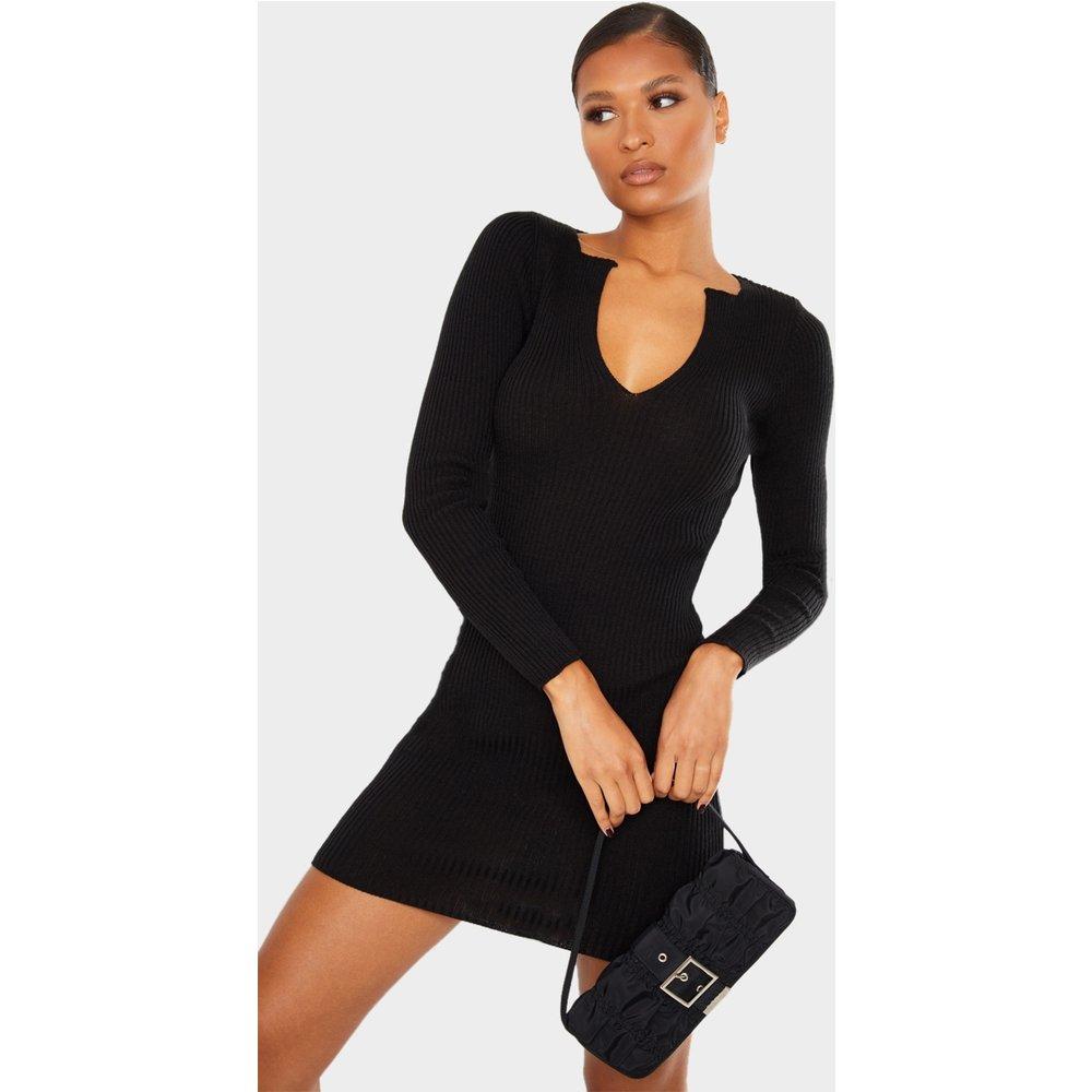 Robe en maille tricot à détail col en V - PrettyLittleThing - Modalova