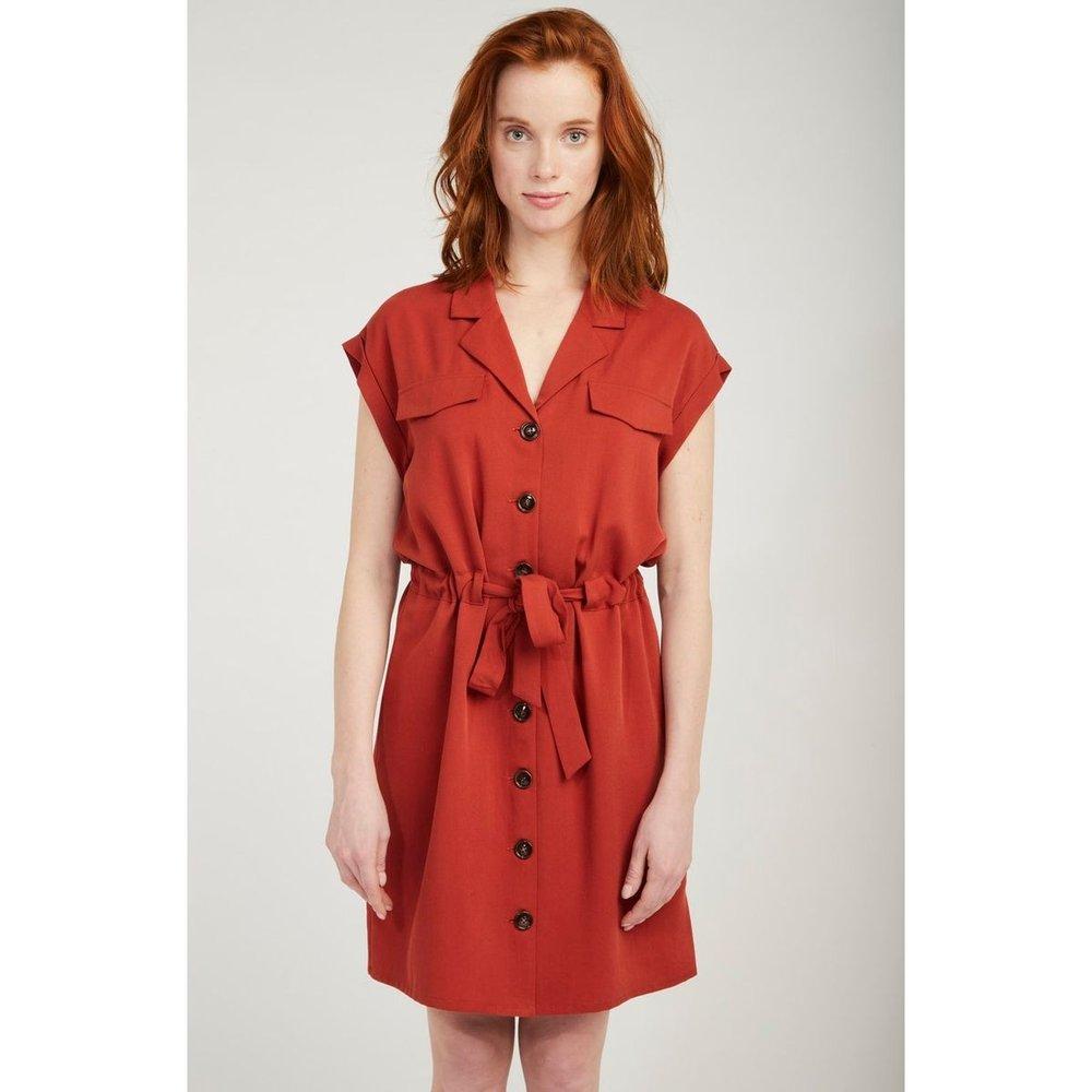 Robe chemise boutonnée, détail ceinture - Naf Naf - Modalova