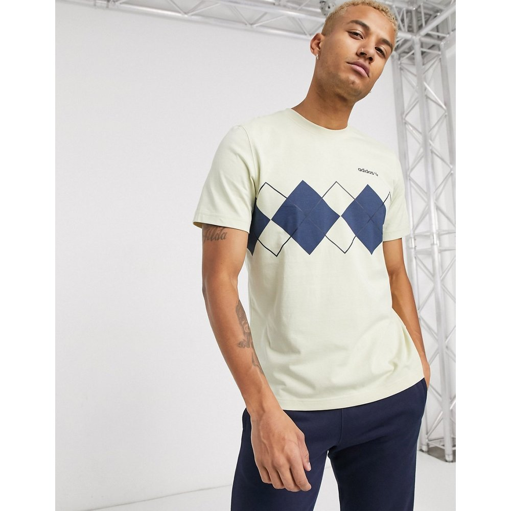 T-shirt à imprimé losanges - Crème - adidas Originals - Modalova