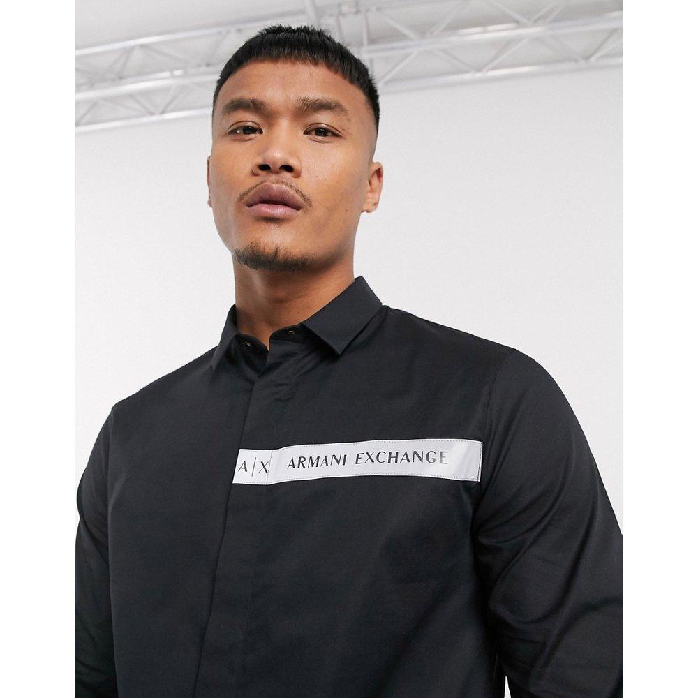 Chemise manches longues à logo contrastant - Armani Exchange - Modalova