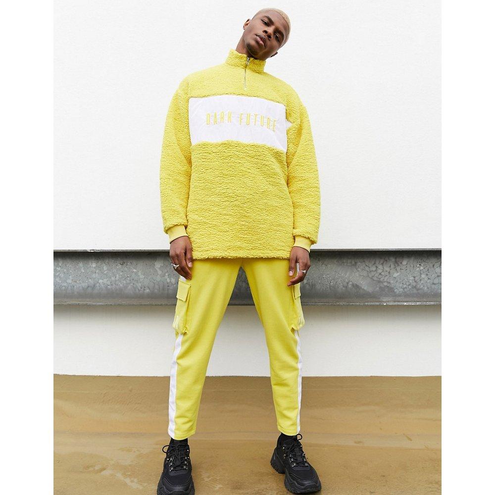 ASOS - Dark Future -Sweat-shirt d'ensemble imitation peau de mouton avec demi-fermeture éclair et broderie - ASOS Dark Future - Modalova