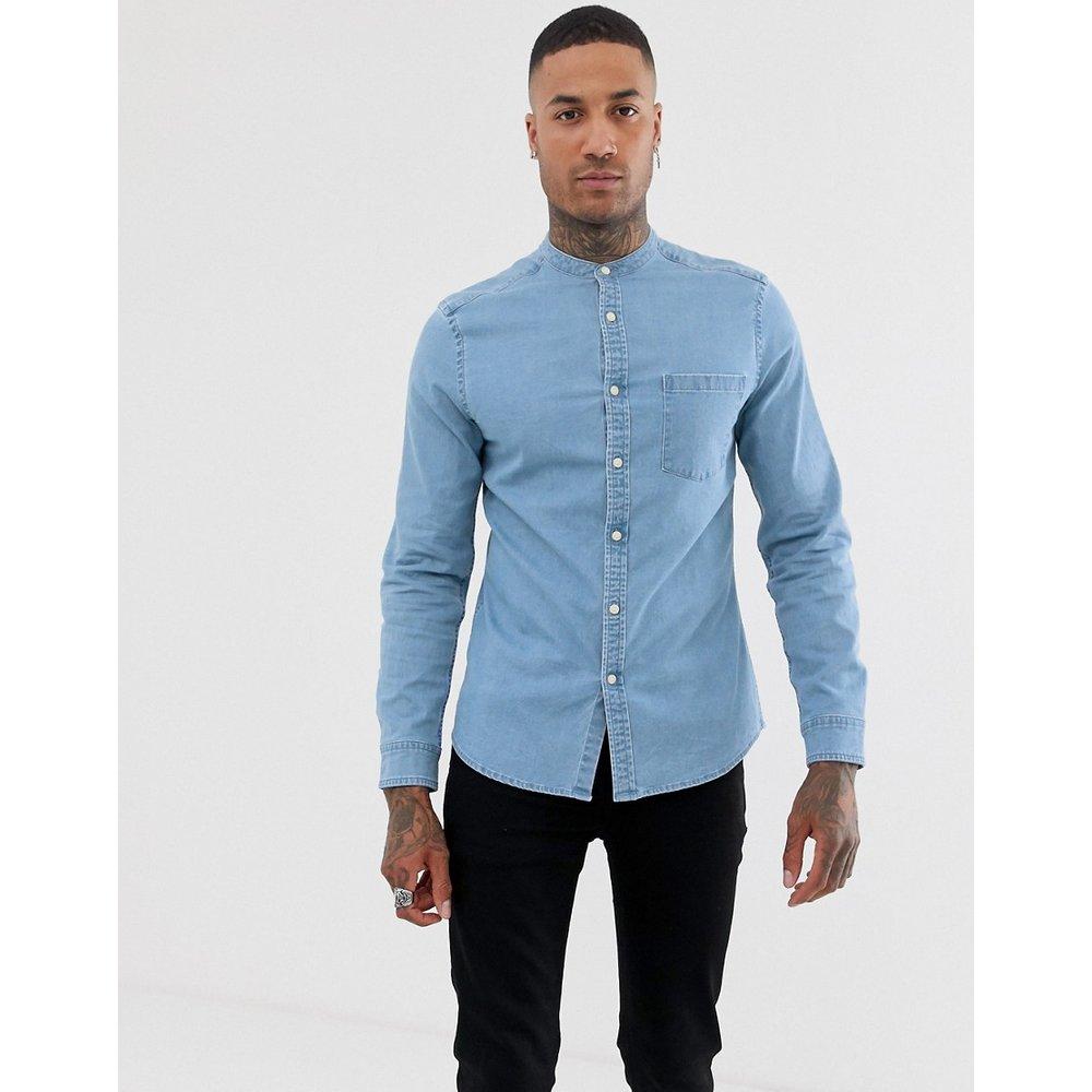 Chemise ajustée en jean stretch à délavage clair avec col grand-père - ASOS DESIGN - Modalova
