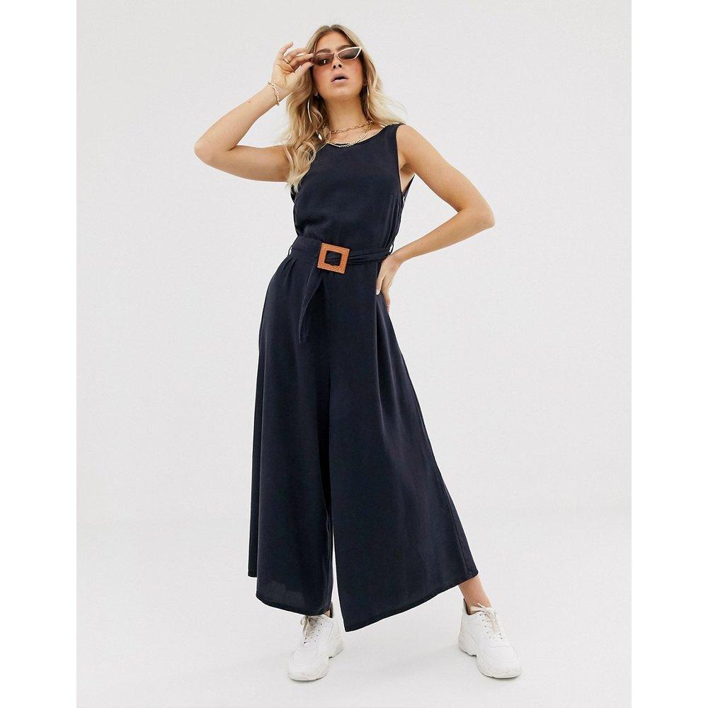 Combinaison large en jean doux avec ceinture - ASOS DESIGN - Modalova