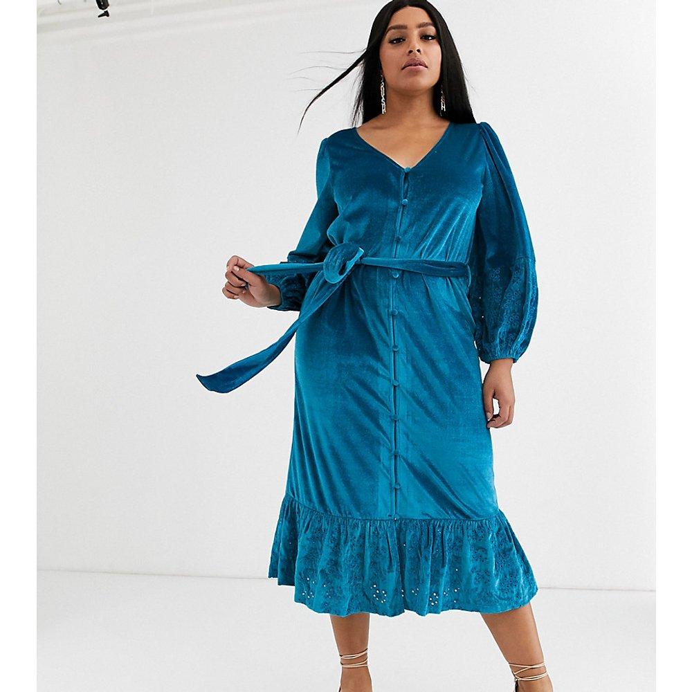 ASOS DESIGN Curve - Robe croisée mi-longue en velours brodé - Turquoise - ASOS Curve - Modalova