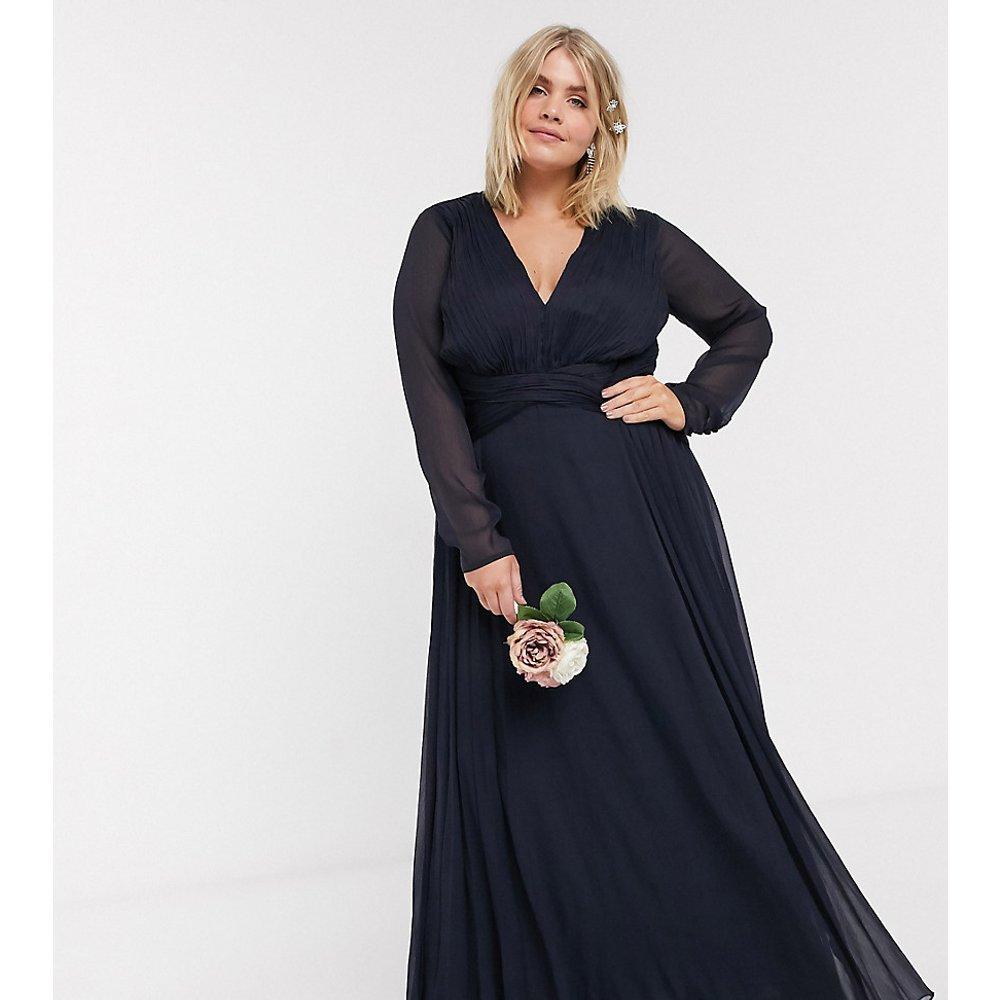 ASOS DESIGN Curve - Robe longue de demoiselle d'honneur à manches longues, taille froncée et jupe plissée - ASOS Curve - Modalova