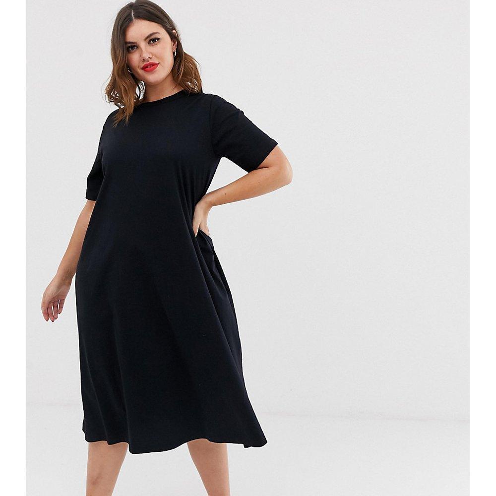 ASOS DESIGN Curve - Robe t-shirt fluide mi-longue ultra oversize - ASOS Curve - Modalova