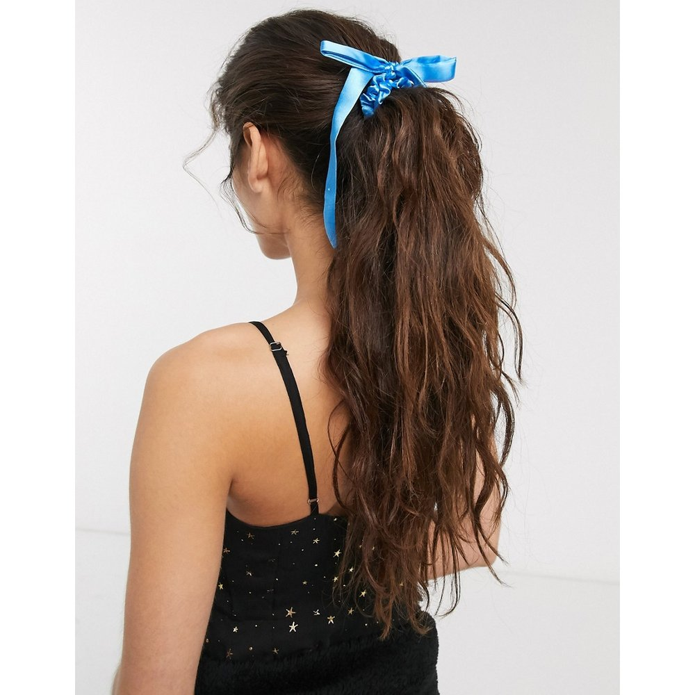Élastique à cheveux avec détail nœud en satin - Bleu - ASOS DESIGN - Modalova