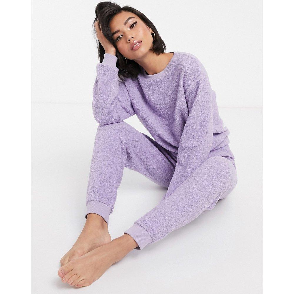Ensemble confort avec jogger et sweat-shirt imitation peau de mouton - ASOS DESIGN - Modalova
