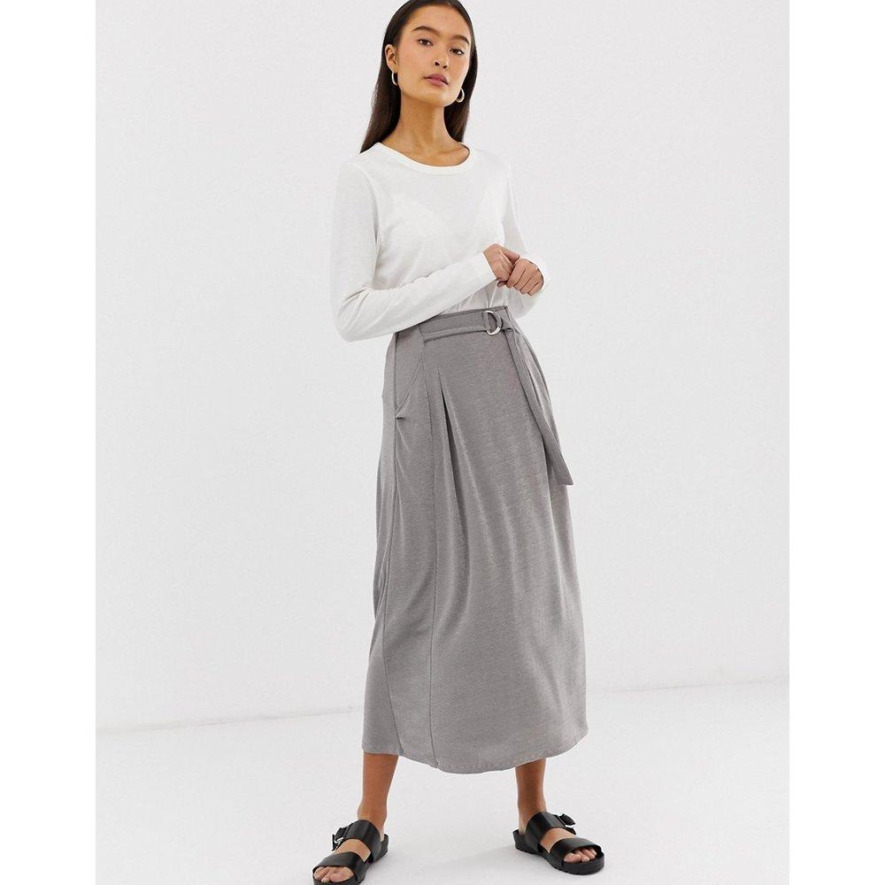 Jupe portefeuille mi-longue en jersey avec anneaux en D et poches - ASOS DESIGN - Modalova