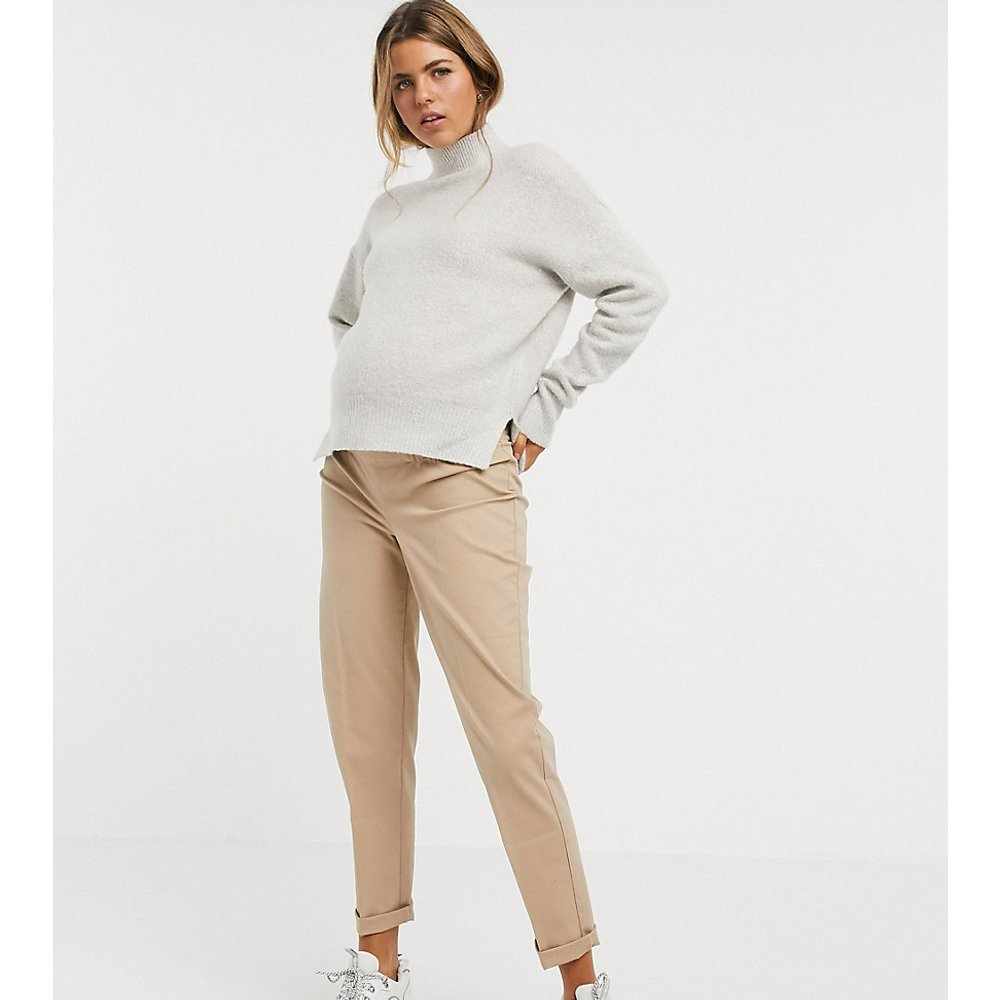 ASOS DESIGN Maternity - Pantalon chino avec bande passant sous le ventre - Taupe - ASOS Maternity - Modalova