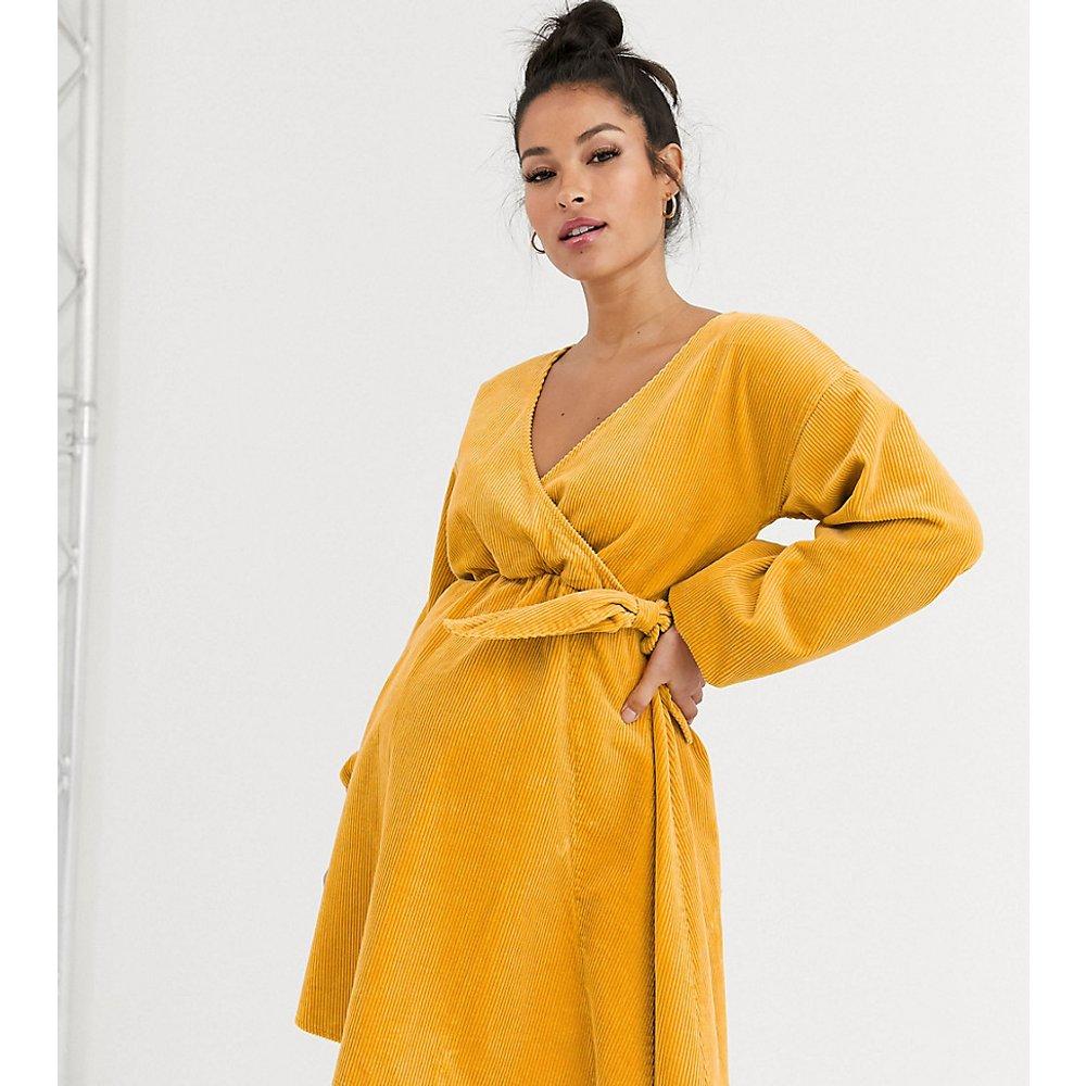 ASOS DESIGN Maternity - Robe babydoll cache-cœur en velours côtelé - Souci - ASOS Maternity - Modalova