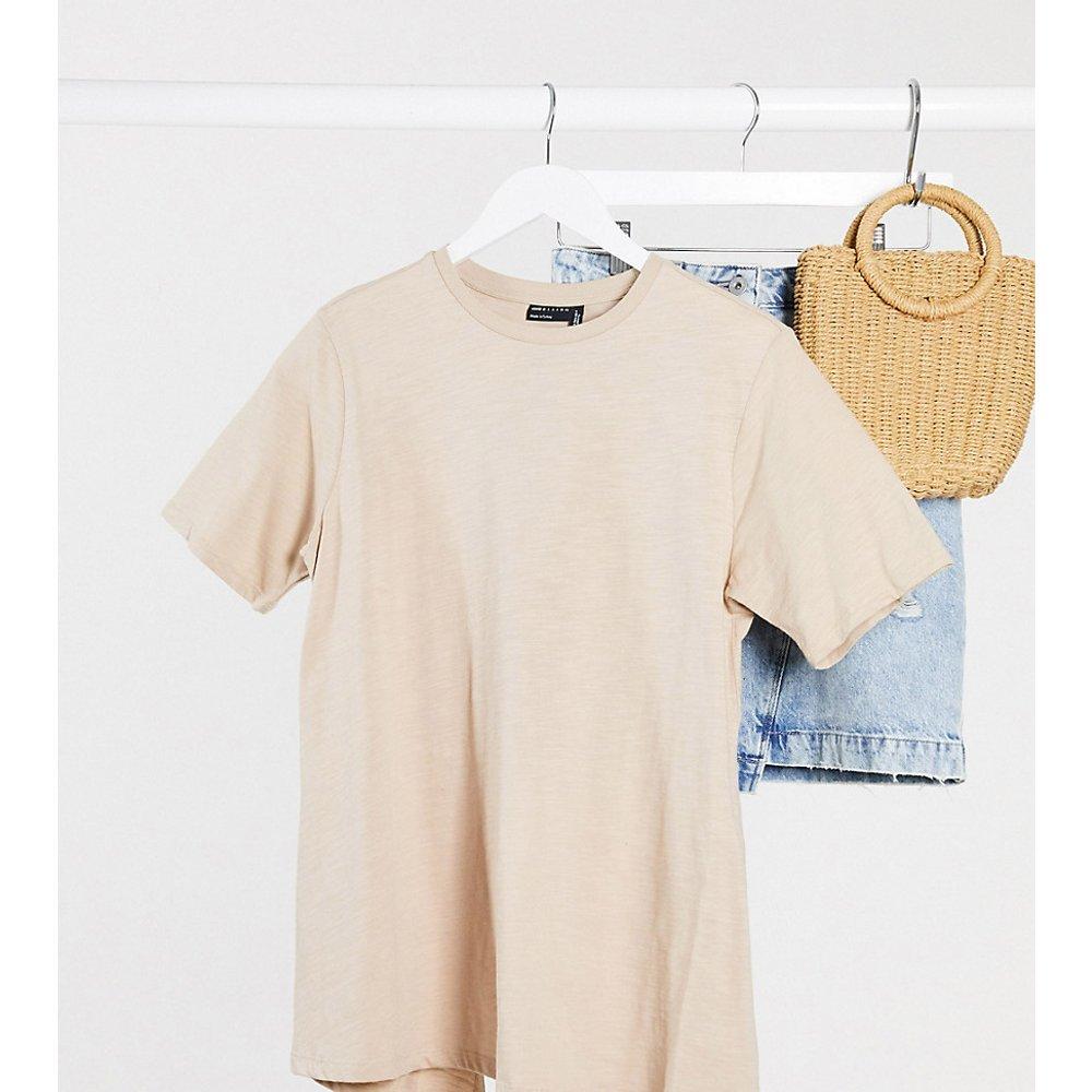 ASOS DESIGN Maternity - T-shirt texturé croisé dans le dos - Taupe - ASOS Maternity - Modalova